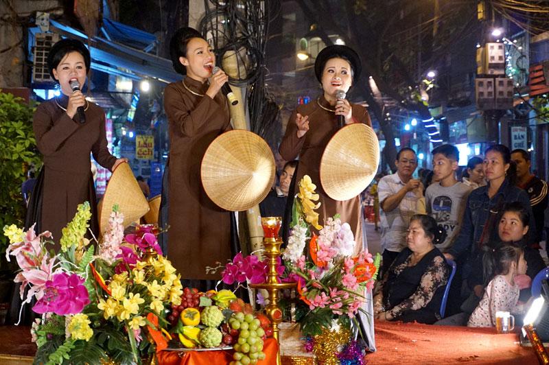 """Liên hoan âm nhạc dân gian """"Hà Thành 36 phố phường"""""""