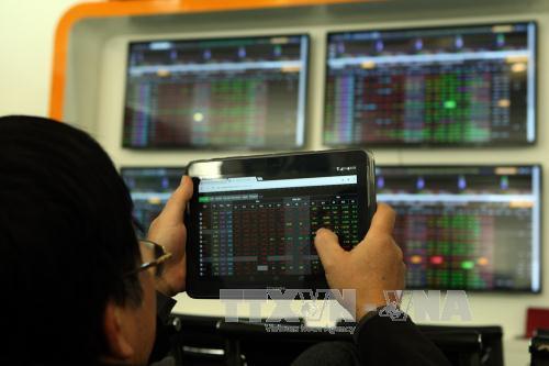 HNX chạm mốc 1.000 doanh nghiệp niêm yết và đăng ký giao dịch
