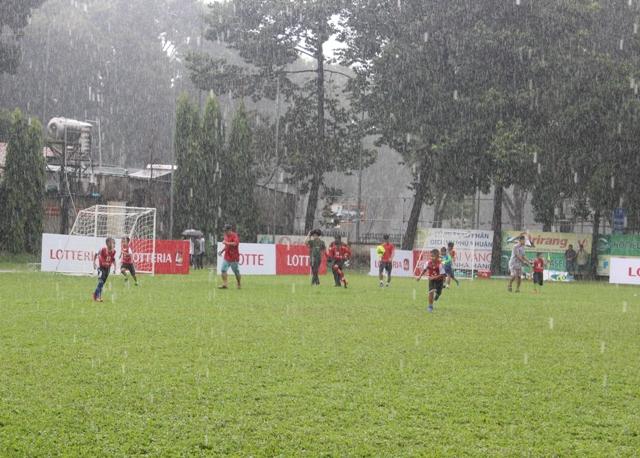 """16 đội tham gia giải bóng đá """"Thách thức Lotteria Cup 2017"""" khu vực TP Hồ Chí Minh"""