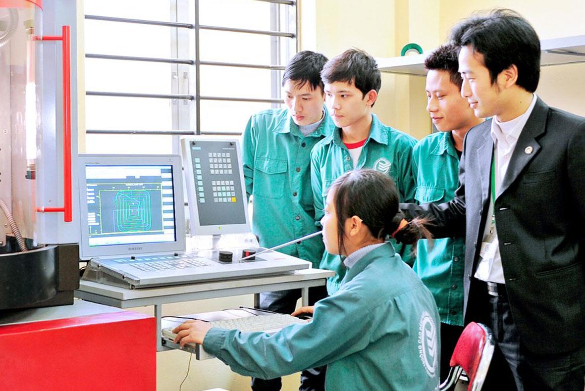 Nâng cao chất lượng đào tạo gắn với mở rộng thị trường lao động