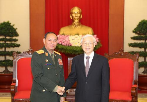 Tổng Bí thư Nguyễn Phú Trọng tiếp Đoàn đại biểu Quân đội nhân dân Lào