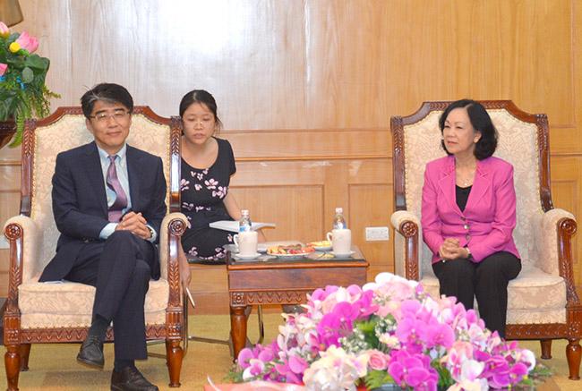 Trưởng ban Dân vận Trung ương Trương Thị Mai tiếp Giám đốc Tổ chức Lao động Quốc tế tại Việt Nam