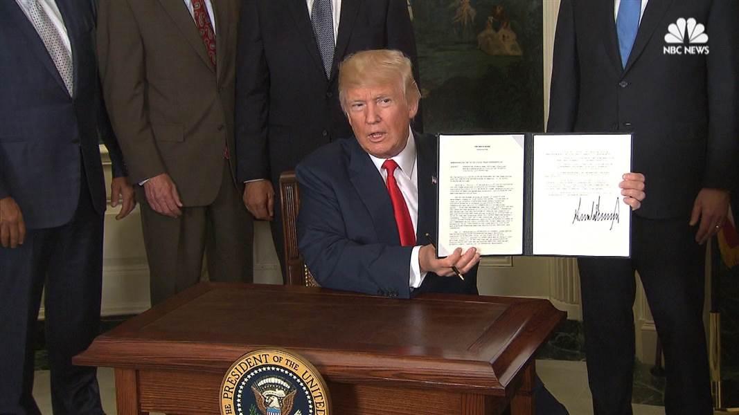 Tổng thống Mỹ ký sắc lệnh điều tra về một số hoạt động thương mại của Trung Quốc