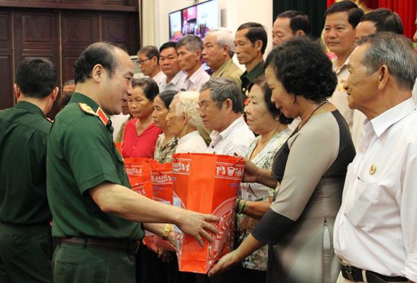 Bộ Quốc phòng gặp mặt đại biểu người có công tỉnh Đồng Nai