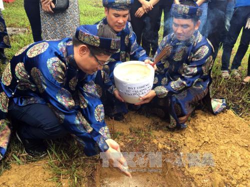 Lễ tiếp nhận đất thiêng từ Trường Sa vào đàn Xã Tắc, Huế