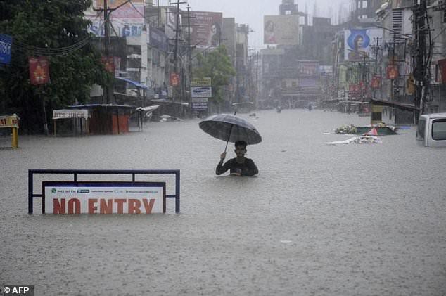 Mưa lũ hoành hành ở các nước Ấn Độ, Nepal và Bangladesh
