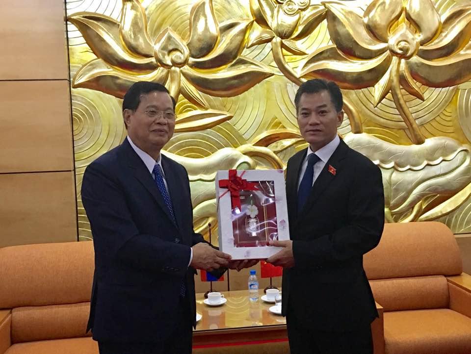 Lãnh đạo Liên hiệp các tổ chức hữu nghị Việt Nam tiếp Đoàn đại biểu Ủy ban Hòa bình và Đoàn kết Lào