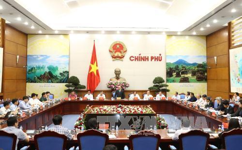 Thủ tướng Nguyễn Xuân Phúc: Cải cách thủ tục hành chính để thúc đẩy tăng trưởng