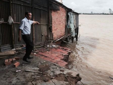 Vĩnh Long: Sạt lở nghiêm trọng gây thiệt hại nhà ở của người dân