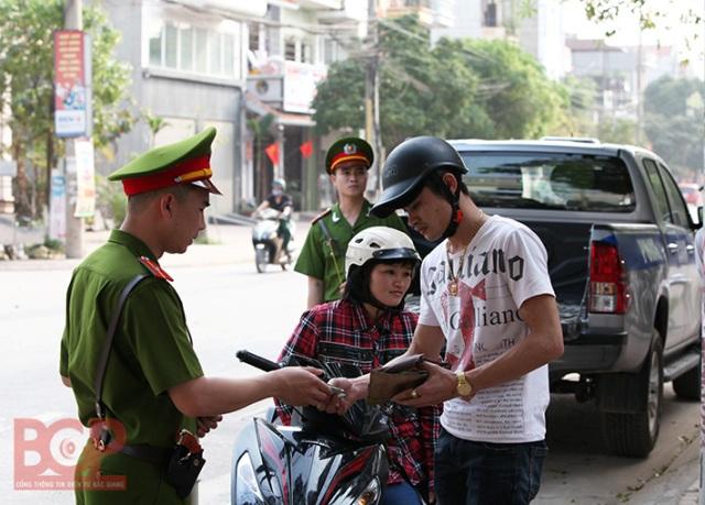 Bắc Giang: Phấn đấu giảm tai nạn giao thông trên cả 3 tiêu chí