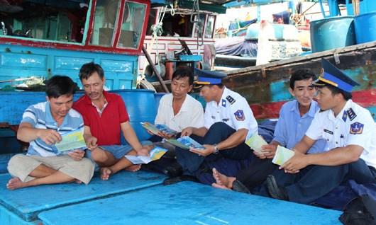 Tuyên truyền, phổ biến pháp luật cho ngư dân