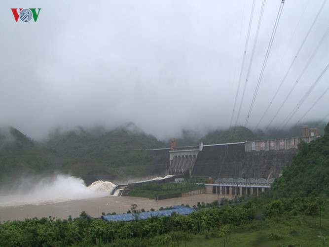 Mở 1 cửa xả của Thủy điện Sơn La để chủ động ứng phó hoàn lưu bão số 6