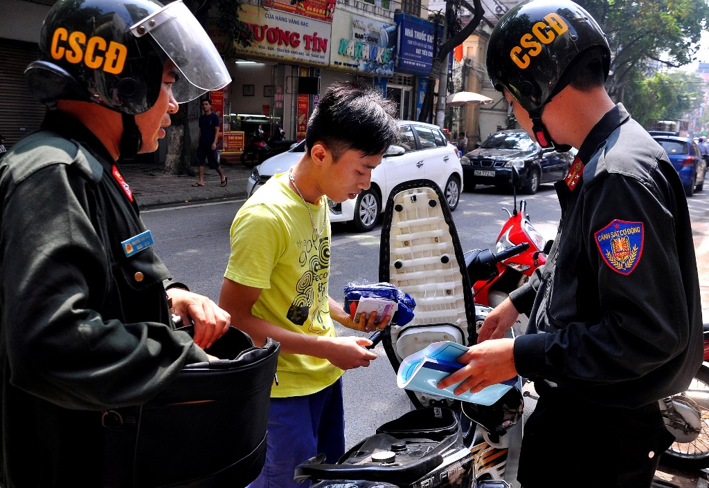 Cảnh sát cơ động xử phạt vi phạm giao thông là đúng thẩm quyền