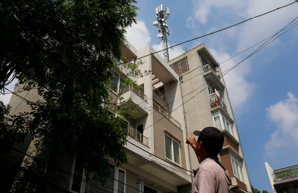 Hà Nội: Người dân kêu cứu vì sống cạnh trạm thu, phát sóng di động