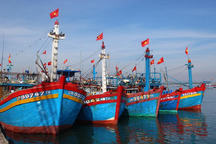 Quảng Ninh đẩy nhanh hỗ trợ ngư dân đóng tàu đánh bắt thủy sản xa bờ