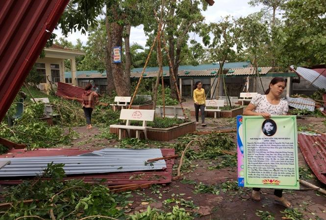 Hà Tĩnh chung sức khắc phục hậu quả cơn bão số 10
