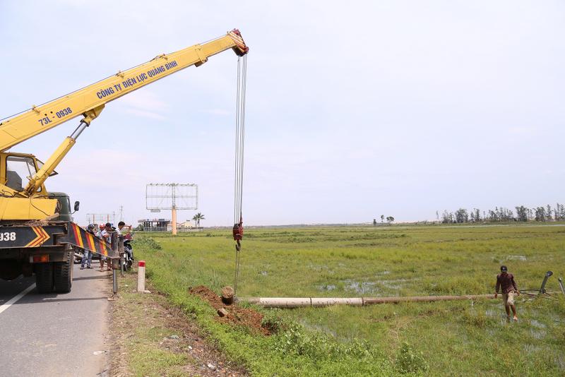 Toàn tỉnh Quảng Bình được cấp điện trở lại sau bão số 10