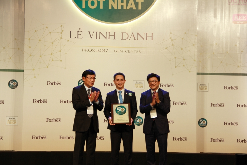 Tập đoàn Bảo Việt: Dẫn đầu lĩnh vực bảo hiểm 5 năm liên tiếp trong Forbes 50