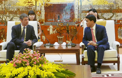 Tạo điều kiện thuận lợi để các doanh nghiệp Anh đầu tư vào Hà Nội