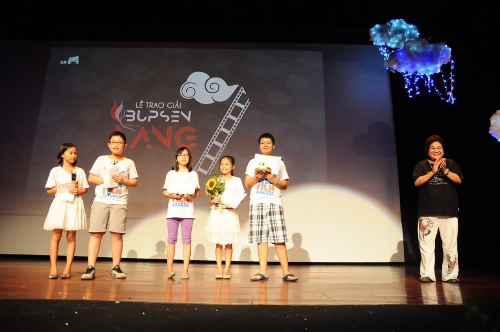 """Giải Búp sen vàng năm 2017 với chủ đề """"Kính vạn hoa"""""""