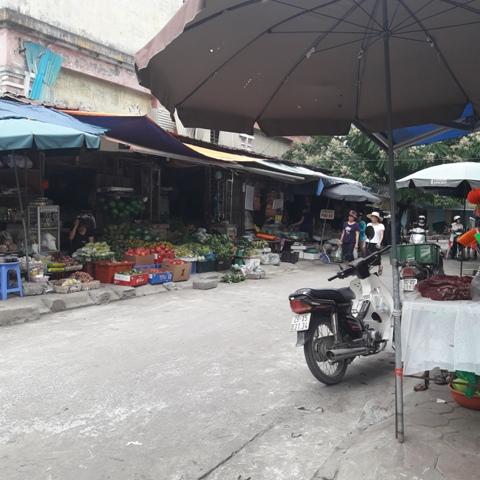 """Hà Nội: Nan giải bài toán chợ """"cóc"""", chợ tạm"""