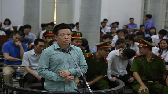 Bị cáo Hà Văn Thắm xin được nhận tội thay cho cấp dưới