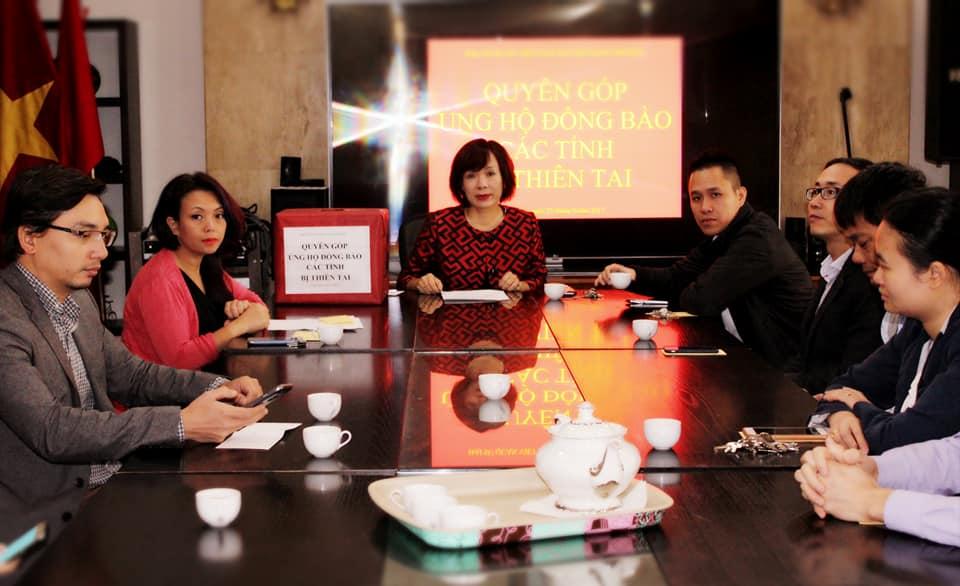 Đại sứ quán Việt Nam tại Mexico ủng hộ đồng bào miền Trung bị thiên tai