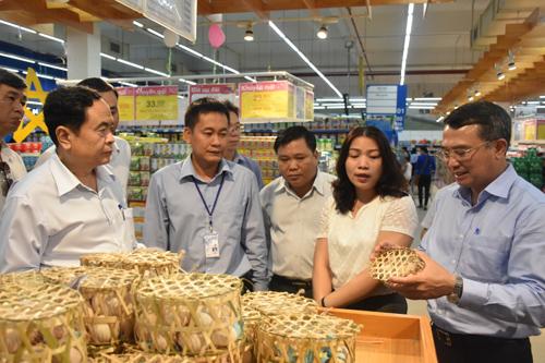 Kiểm tra tình hình triển khai đưa hàng Việt đến với người tiêu dùng tại Tây Ninh