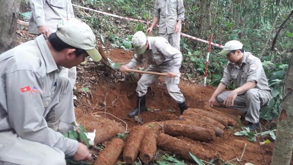 Phát hiện 27 quả đạn pháo ở khu vực biên giới Quảng Trị