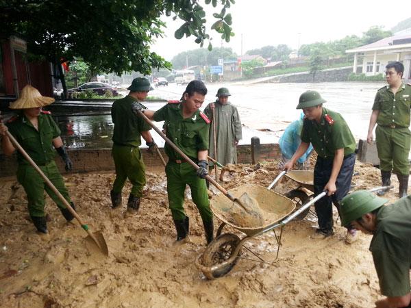 Bộ Công an chỉ đạo ứng phó với mưa, lũ quét và sạt lở đất