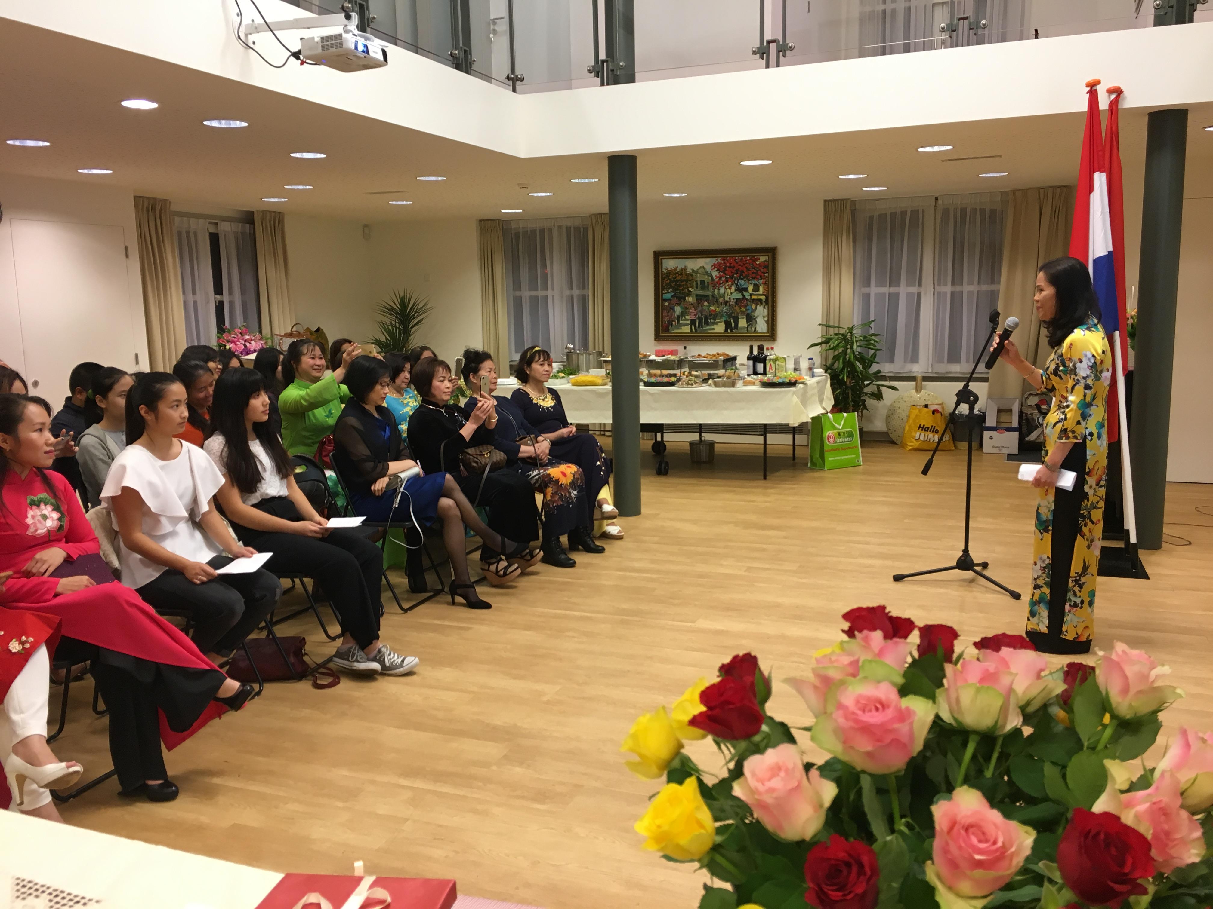 Kỷ niệm Ngày Phụ nữ Việt Nam 20/10 tại Hà Lan