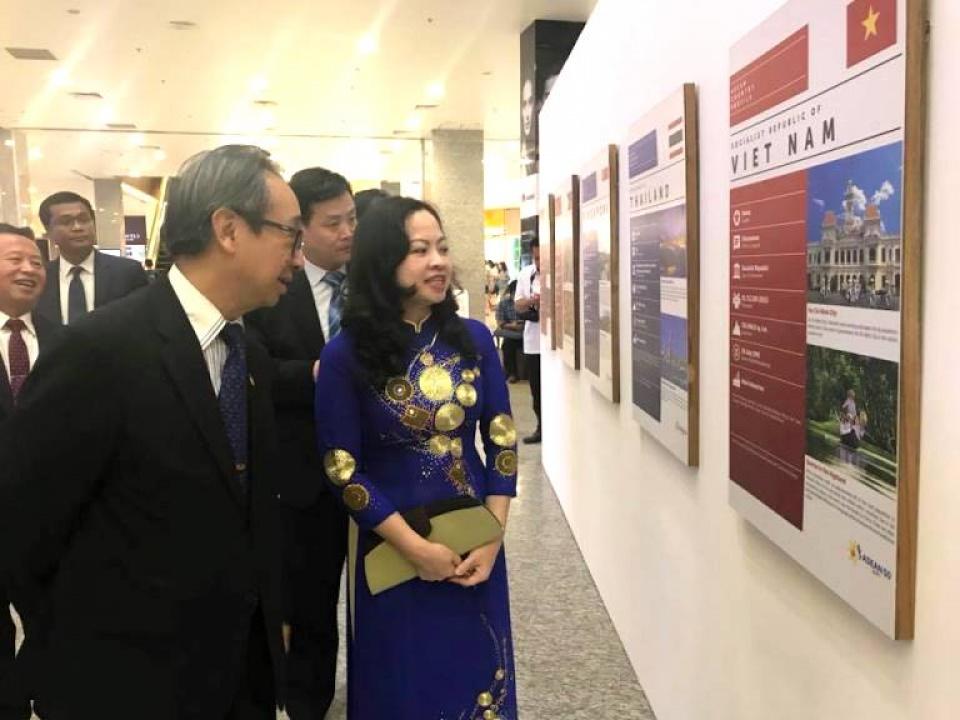 Triển lãm ảnh về ASEAN tại Myanmar