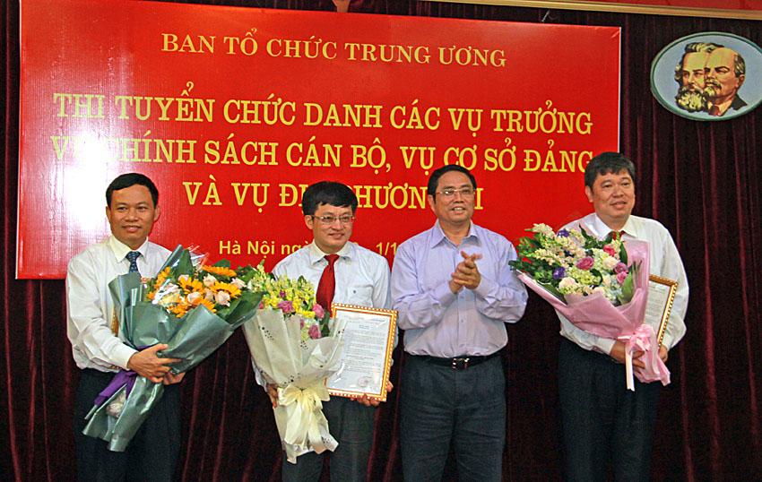 Ban Tổ chức Trung ương thi tuyển thành công 3 chức danh vụ trưởng