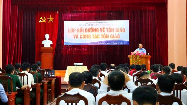 Điện Biên: Nâng cao nhận thức về tôn giáo và công tác tôn giáo cho cán bộ, công chức