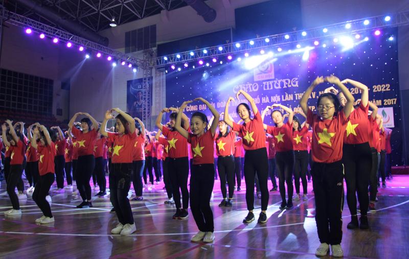 Liên hoan Dân vũ quốc tế và các điệu nhảy cổ động Thành phố Hà Nội