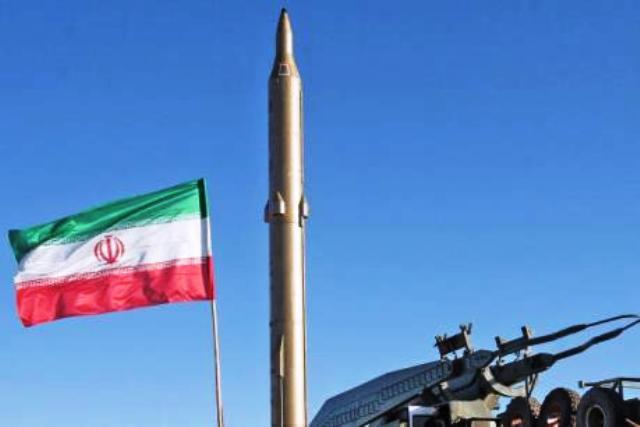 Iran mạnh mẽ bảo vệ chương trình phát triển tên lửa