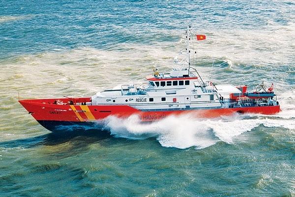Khẩn trương tìm kiếm 3 thuyền viên mất tích tại khu vực đảo Bạch Long Vỹ