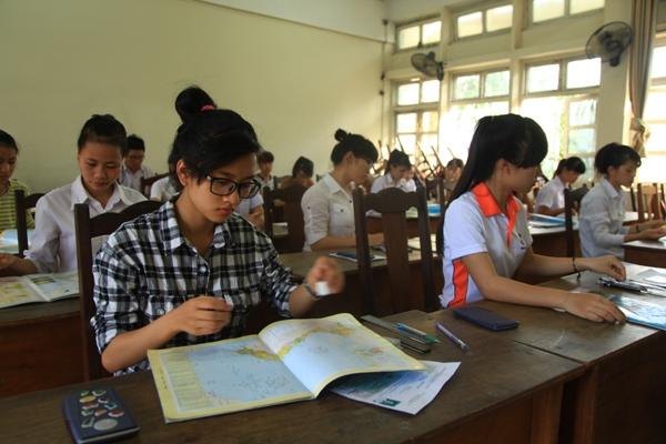 Bộ Giáo dục & Đào tạo lên tiếng việc cấm dạy nội dung ngoài sách giáo khoa