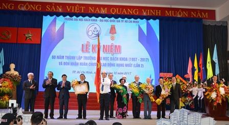 Trường Đại học Bách khoa TP.Hồ Chí Minh đón nhận Huân chương Lao động hạng Nhất (lần 2)