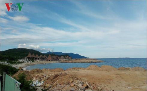 Cần xử lý nghiêm hành vi lấn chiếm trái phép vịnh Nha Trang
