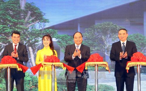 Thủ tướng cắt băng khánh thành Trung tâm hội nghị quốc tế Ariyana phục vụ APEC