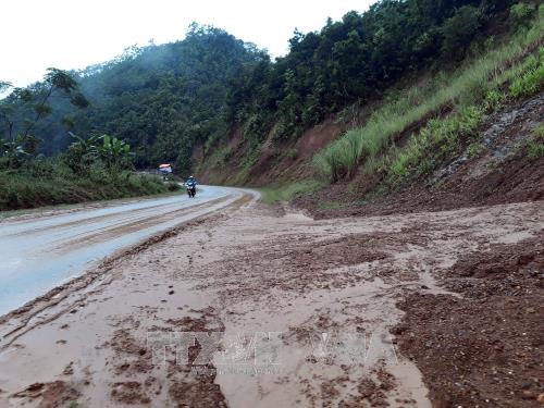 Sạt lở ảnh hưởng tới nhiều tuyến đường tại Bắc Kạn
