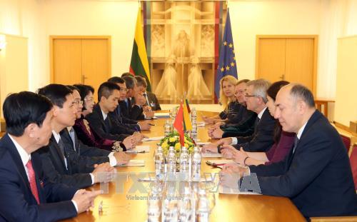 Phó Chủ tịch nước Đặng Thị Ngọc Thịnh thăm và làm việc tại Cộng hòa Litva