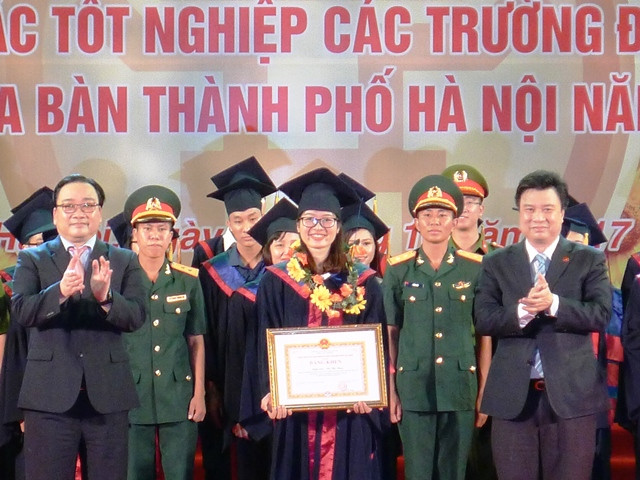 Tuyên dương thủ khoa xuất sắc tốt nghiệp các trường đại học, học viện trên địa bàn thành phố Hà Nội