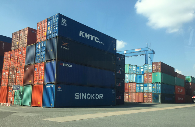 """Phó Thủ tướng chỉ đạo xử lý trách nhiệm vụ 213 container """"mất tích"""""""
