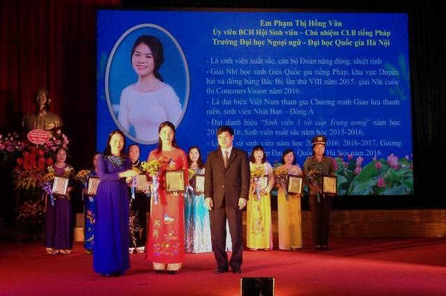 Ngày hội sáng tạo phụ nữ Thủ đô và tuyên dương 10 phụ nữ Thủ đô tiêu biểu