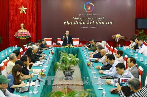 Thúc đẩy cơ chế phối hợp giữa Hội Nhà văn Việt Nam với các nhà văn Việt Nam ở nước ngoài