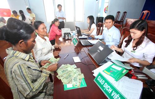 Tạo thuận lợi cho người nghèo tiếp cận vốn tín dụng NHCSXH