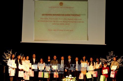 Tôn vinh truyền thống hiếu học của người Việt tại Séc
