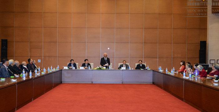 Phó Chủ tịch Quốc hội Uông Chu Lưu gặp mặt Đoàn cựu giáo viên kiều bào Thái Lan